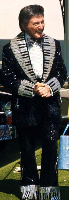 Michael Travis - Costumes de Scène - Liberace - Extravagance - Broderies, Sequins, Perles, Paillettes, Fourrure, Plumes .... Costume Piano