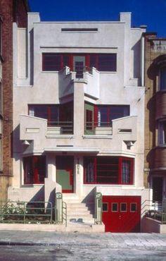 Art Deco House ~ Brussels-Jette - het Withuis (the White House) by architect Joseph Diongre, 1927 Art Et Architecture, Beautiful Architecture, Art Nouveau, Art Deco Period, Art Deco Era, Casa Art Deco, Design Industrial, Estilo Art Deco, Streamline Moderne