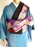 半幅帯の結び方!着物に合う、お太鼓より簡単な「角だし」 [着物・着付け] All About Kimono Japan, Japanese Design, Floral Tie, Kimono Top, Dressing, Heart Origami, Womens Fashion, Pattern, Style