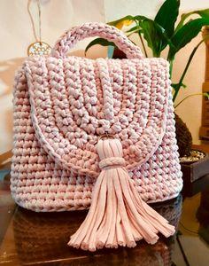 Bolsa de trapillo www.facebook.com/crochetartale