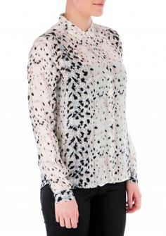 Her flytter snart en ny kunde ind Silk, Female, Blouse, Lace, Long Sleeve, Sleeves, Shirts, Tops, Women