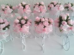 bicicletinha-com-flores-bicicleta-lembrancinha Girls Party Decorations, Party Centerpieces, Wedding Decorations, Flowers In Jars, Paper Flowers, Flower Jars, Birthday Table, Girl Birthday, Wedding Favours