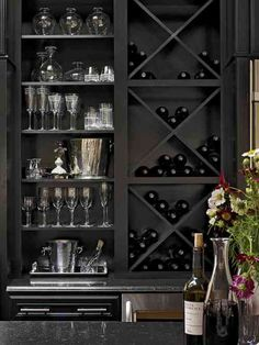porte-bouteilles de vin original dans une armoire à la maison