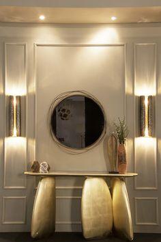 Faites entrer la lumière dans votre intérieur en adoptant le miroir rond doré.  | idées déco | décoration intérieur | design luxe | decoration maison | Pour plus d'idées, cliquez ici: http://www.brabbu.com/all-products/
