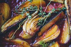 Braised Fennel with Saffron & Tomato — Green Kitchen Stories Fennel Recipes, Vegetable Recipes, Vegetarian Recipes, Cooking Recipes, Healthy Recipes, Great Recipes, Favorite Recipes, Family Recipes, Curry