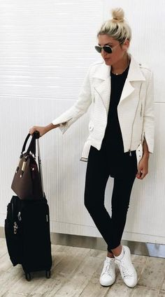 Black And White Travel and Sporty Outfit Idea