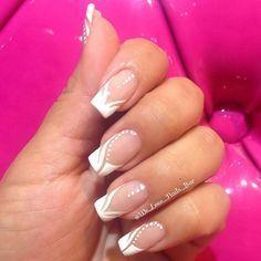 Nails Sencillas Cortas Blancas 50 Ideas For 2019 French Nails, French Acrylic Nails, French Manicure Nails, Gel Nails, French Nail Designs, Nail Art Designs, Floral Designs, French Manicure With Design, Love Nails