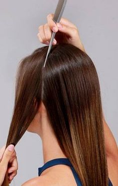 Peinados fáciles para ir al trabajo ~ Manoslindas.com Trendy Hairstyles, Bobby Pins, Beauty Makeup, Hair Accessories, Long Hair Styles, Projects, Ideas, Easy Elegant Hairstyles, Teased Hair