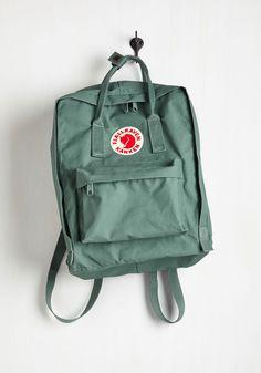 Kanken Backpack in Viridian Mochila Kanken, Mochila Jeans, Unique Backpacks, Cute Backpacks, College Backpacks, Canvas Backpacks, Vintage Backpacks, Leather Backpacks, Mochila Retro