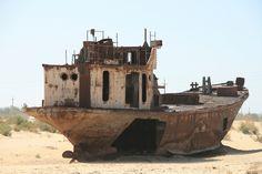 Soviet ship graveyard - Martijn Munneke via io9