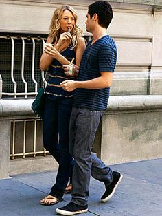 Gossip Girl Season Two: Get the Look  Episode 203: The Dark Night  Serena and Dan finally confront their issues. Here, she wears a Young, Fabulous & Broke tank, James Jeans jeans, a Rebecca Minkoff bag and Havaianas flip-flops. Dan, the consummate laid-back dresser, wears a Ted Baker shirt and Levi's jeans.
