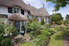 http://www.westcountrycottages.co.uk/publicwcc/properties/appletreecottage.htm