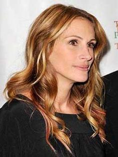 Julia Roberts sur le tapis rouge avait une chevelure lumineuse avec un balayage blond vénitien #blond #blondvénitien #colorationblonde #teinture #cheveux #couleur #balayage #cheveuxblonds #blonde #juliaroberts #cheveuxlaches #monvanityideal