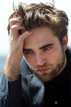 Robert Pattinson presenta Breaking Dawn 2: