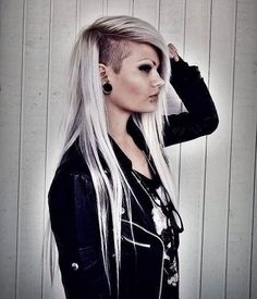 Love this hair. I've already shave some off like this girl but wanna dye it this colour maybe x