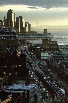 New York, view of Lower Manhattan von Louis Stettner Lower Manhattan, New York View, Louis Stettner, Empire State Of Mind, I Love Nyc, City That Never Sleeps, Dream City, Concrete Jungle, New York Skyline
