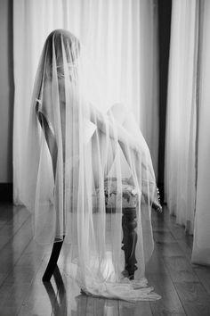 Black and white bridal boudoir photo ideas