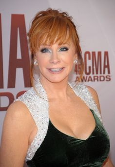 Reba McEntire looking beautiful as always!