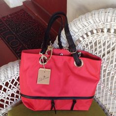 "Selling this ""Beautiful summer bagNO TRADES"" in my Poshmark closet! My username is: barrantes. #shopmycloset #poshmark #fashion #shopping #style #forsale #braciano #Handbags"