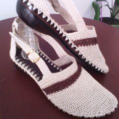 Sandalias en crochet. Sandalias en dos colores. #artesanal#hechoamano#hechoencasa#colors#tallas# paradama#tejido#purocrocheth#hechoencolombia.