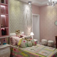Mais um quarto infantil que realizamos com enorme prazer, pra uma linda e doce princesa!! #girlroom #quartodemenina  #girl #decor #interiordesign #design #babydesign #aconchego #portinari #revestimentos #ceramicaportinari #rosé #rosa
