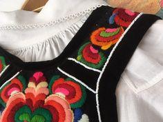 (1) FINN – Hallingbunad / hallingstakk med tre skjorter og belte - NY PRIS! Folklore, Christmas Stockings, Studio, Holiday Decor, Dresses, Fashion, Gowns, Moda, Study