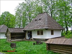 MUZEUL SATULUI BUCOVINEAN SUCEAVA Casa Vicov Primitive, Gazebo, Cities, Europe, Houses, Outdoor Structures, House Styles, Home Decor, Homes