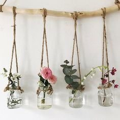 Love fills these dinky little vases . :) x - Diy living room .-Liebe füllt diese dinky kleinen Vasen … 🙂 x – Diy Wohnzimmer – Dekoration Selber Machen Love fills these dinky little vases … 🙂 x – Diy living room - Diy Casa, Creation Deco, Deco Floral, Plant Decor, Plant Wall Diy, Diy Wall Art, Plant Hanger, Diy Room Decor, Flower Room Decor