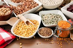 Dry legumes are protein and fiber rich foods that are essential for healthy nutrition. They also help to lose weight because the fat is low. There are many reasons why you Healthy Life, Healthy Eating, Eating Lean, Healthy Nutrition, Healthy Food, Foods To Eat, Calories, Plant Based Diet, Paleo Diet