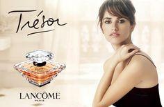 Penelope Cruz for Tresor Perfume by Lancome Perfumes Dior, Parfum Chanel, Top Perfumes, Perfume Ad, Perfume Bottles, Tresor Perfume, Penelope Cruz, Perfume Dior Mujer, Tresor Lancome
