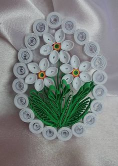 my handmade products - evaline Veľká noc / SAShE. Paper Quilling Jewelry, Quilling Paper Craft, Quilling Flowers, Paper Crafts, Diy Crafts, Quilling Patterns, Quilling Designs, Quilling Instructions, Quilling Techniques