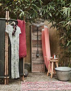 buitendouch | outside shower  | vtwonen 09-2016 | photography: Alexander van Berge | styling: Cleo Scheulderman