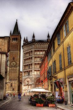 Parma. by @yakobusan Jakob Montrasio 孟亚柯, via Flickr, province of Parma, Emilia Romagna region Italy