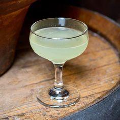 Trato Hecho Cocktail Recipe | Liquor.com [modern mezcal variation on a Last Word]