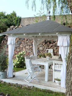 princessgreeneye: ENDLICH (fast) fertig - unser neuer Pavillon mit DIY..............