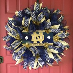 Notre Dame Deco Mesh Wreath Graduation Gift by BayWreathDesigns Football Crafts, Football Wreath, Football Decor, Fighting Irish, Diy Wreath, Wreath Ideas, Sports Wreaths, Welcome Wreath, Deco Mesh Wreaths