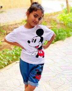 Cute Little Baby Girl, Little Babies, Girl Photo Poses, Girl Photos, A Letter Wallpaper, Kids Dress Collection, Cute Kids Photography, Sleeping Beauty, Sporty