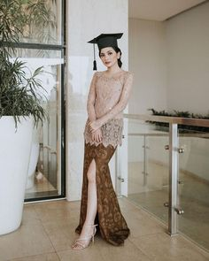 Graduation should be celebrated as the day of success, a long and challenging process. Kebaya Modern Hijab, Model Kebaya Modern, Kebaya Hijab, Kebaya Muslim, Kebaya Lace, Batik Kebaya, Batik Dress, Hijab Prom Dress, Dress Outfits