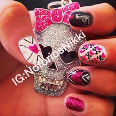tough love nails #nailart #naildesing #vdaynails #valentinesdaynails
