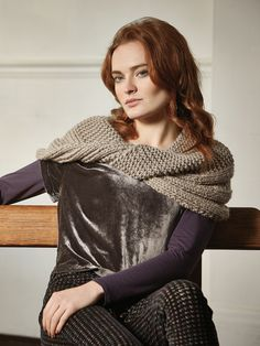 Tarragon Snood - Knit this garter stitch and rib snood from the Autumn Accessories Collection, a design by Marie Wallin using the beautiful yarn Big Wool (merino wool). With a large twist detail, this knitting pattern is for the intermediate knitter.