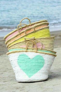 Summer Of Love, Summer Fun, Summer Time, Summer Bags, Ibiza Fashion, I Love Heart, Color Heart, Basket Bag, Pretty Pastel