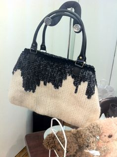 #japanese 2-colour #knit purse -- simple yet interesting