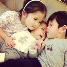 chelsea & jesper chu w/ a baby