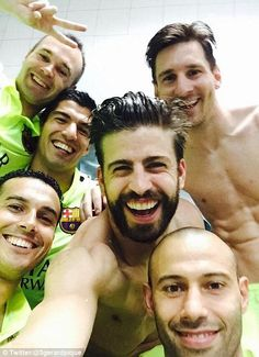Gerard Pique posts a picture with Andres Iniesta, Luis Suarez, Messi, Sergio Busquets and ...