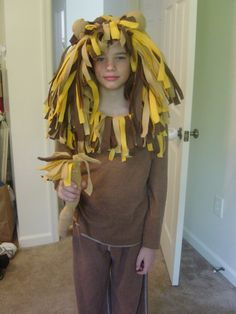 Diy lion hoodie lions craft and crafty the lion costume diy solutioingenieria Choice Image
