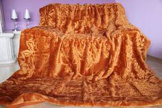 Hnedá deka s kvetinovým vzorom