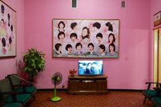 When architecture and design critic Oliver Wainwright's travel diary across North Korea appeared on The Guardian website, the parallelism between North Korean design and architecture and Wes Anderson's film sets immediately seduced the whole web. All - including us - being fascinated by th