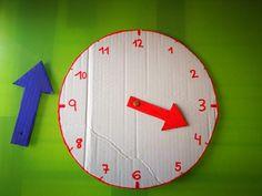 Reloj para aprender las Horas | Los Inventos de Mamá Holiday Homework, Lily, Clock, Christmas Tree, Holiday Decor, Ideas, Recycled Materials, Educational Crafts, Easy Crafts