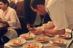 L'atelier supperclub - smoked salmon, mousse, vanilla, crispy onions & chive
