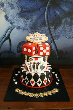 Sandys cakes more las Tema Las Vegas, Las Vegas Cake, Las Vegas Party, Vegas Theme, Casino Night Party, Casino Theme Parties, Fète Casino, Casino Cakes, Vegas Birthday